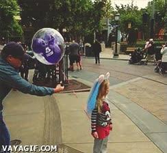 Enlace a El hombre más troll de la historia de Disneyland