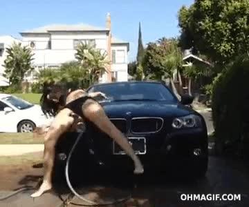 Enlace a Ésta no es la mejor manera de lavar un coche aunque a algunos se lo parezca