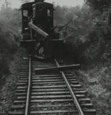 Enlace a Retirar obstáculos desde un tren en movimiento