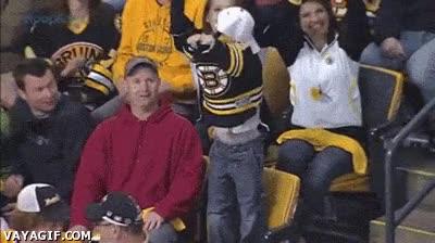 Enlace a Le auguro a este niño un futuro prometedor como fan de su equipo