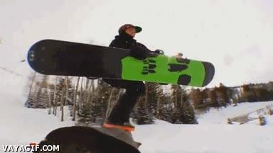 Enlace a Llevar la tabla de snow atada es para novatos