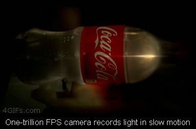 Enlace a Luz dentro de una botella a cámara lenta