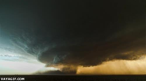 Enlace a Tornado en formación