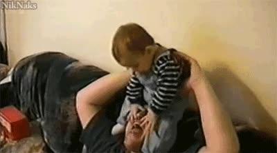 Enlace a Los bebés son tan tiernos...