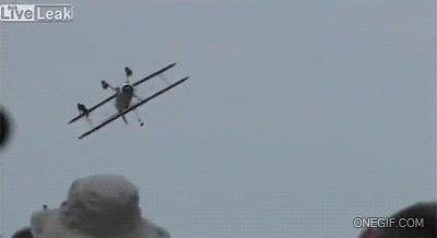 Enlace a Impactante accidente de avión en la exhibición aérea de Dayton