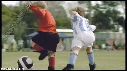 Enlace a Con lo aburridos que suelen ser los partidos de fútbol de los niños pequeños y mira estos...
