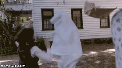 Enlace a Vale, o la sábana estaba tan sucia como para tener vida propia o que alguien llame a un exorcista