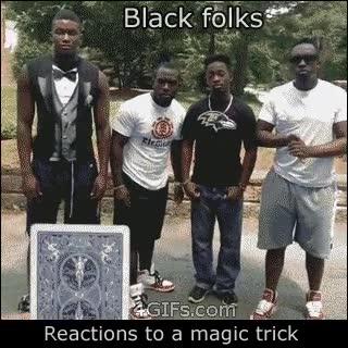 Enlace a Reacción ante un truco de magia de blancos y de negros