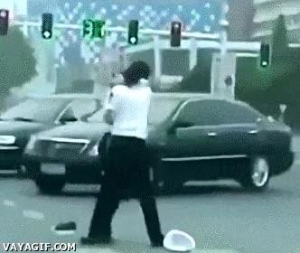 Enlace a Mientras tanto en China, policías peleándose entre ellos