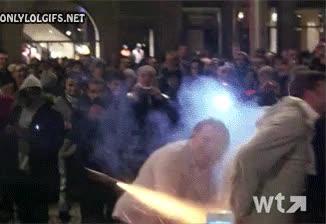 Enlace a Te partes el culo con estos fuegos artificiales