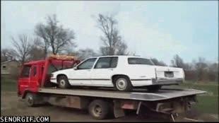 Enlace a La importancia de atar bien un coche cuando te lo quieres llevar con la grúa