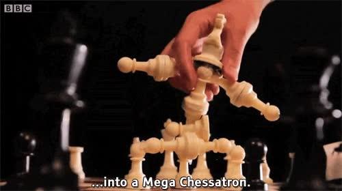 Enlace a Ya te puedes enrocar y adelantar tus alfiles, ¡nunca podrás vencer a Mega Chessatron!