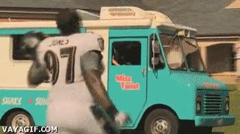 Enlace a ¡Que le den al fútbol americano, yo quiero mi helado!