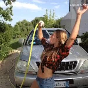 Enlace a Mmm qué sexy lavando el co... failaco
