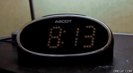Enlace a Despertarte y darte cuenta que anoche se te olvidó poner el despertador