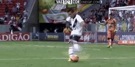 Enlace a Parece que no ha calculado demasiado bien la posición de la pelota antes de chutar