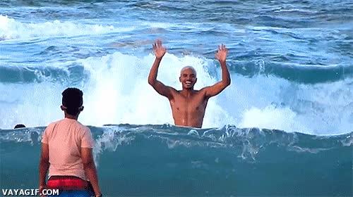 Enlace a Nunca le des la espalda a un mar embravecido