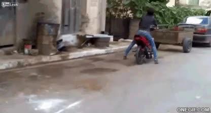 Enlace a Montar en moto es fácil, decían...