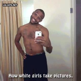 Enlace a Acto reflejo de las chicas delante de una posible foto