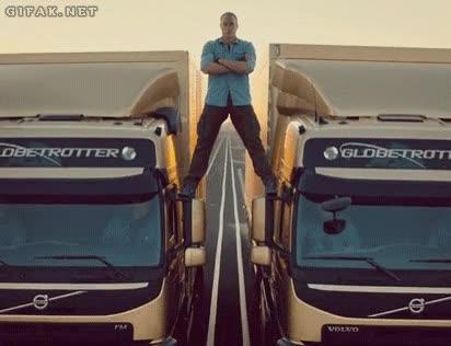 Enlace a Camiones Volvo, la hazaña épica de Van Damme