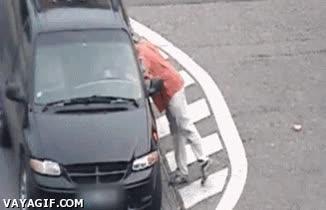 Enlace a Cuando a un ruso se le olvidan las llaves dentro del coche