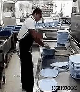 Enlace a Récordman mundial en lavado de platos