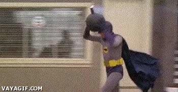 Enlace a Batman de los 80 y sus problemas con las bombas