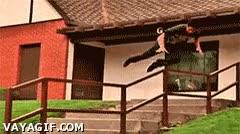 Enlace a Este tipo de trucos con el skate son geniales si salen bien, pero sino...