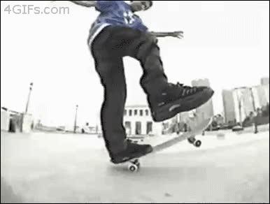 Enlace a No sé si es un maestro del skate o el tío con más suerte del planeta