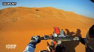 Enlace a Nada como el desierto para montar en moto a tu bola, libre, solo...