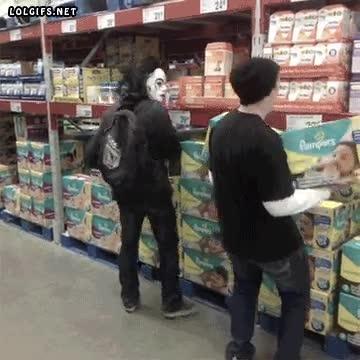 Enlace a Si es que hay cada loco suelto por los supermercados...