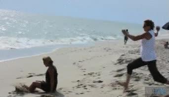 Enlace a ¡Corramos por la playa, será divertido!