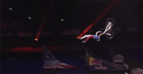 Enlace a Espectacular doble backflip superman en bicicleta