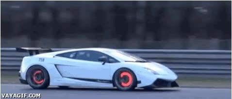 Enlace a Así se ponen los discos de frenos en un Lamborghini de competición