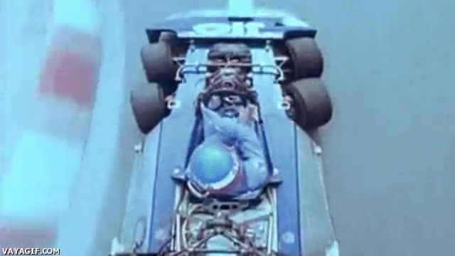 Enlace a Los coches de Fórmula 1 no siempre han tenido 4 ruedas