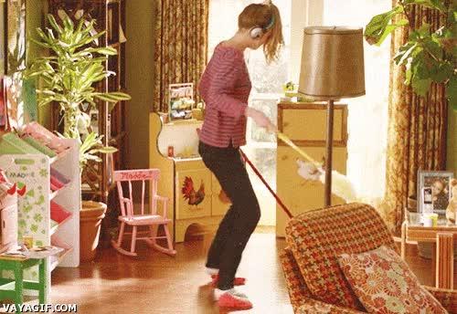 Enlace a Limpiar la casa con música