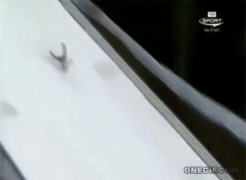 Enlace a El riesgo que corren los saltadores de esquí es muy elevado y a veces se paga muy caro