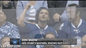 Enlace a Jon Snow, gran aficionado al hockey sobre hielo