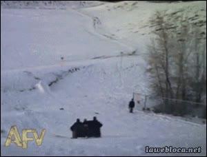 Enlace a ¿Bajar una colina nevada con esquís? ¡Eso es de cagaos!