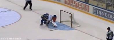 Enlace a Porque el hockey sobre hielo no todo son peleas, también hay jugadones
