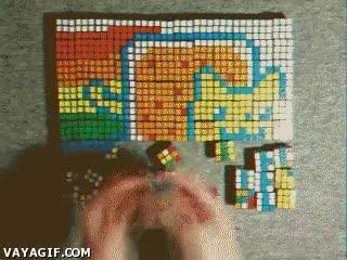 Enlace a Lo que puedes llegar a formar con cubos de Rubik y muchísima paciencia