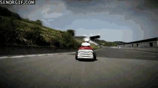 Enlace a ¿Un Fórmula 1 muy veloz? Paso, muy poco práctico, mejor un cortacésped de competición!