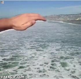 Enlace a Y así funciona el oleaje y las mareas