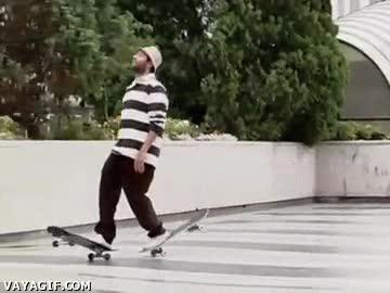 Enlace a Porque ir con un solo skate era demasiado fácil