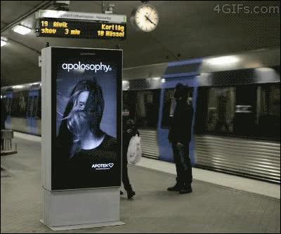 Enlace a Publicidad interactiva en el metro