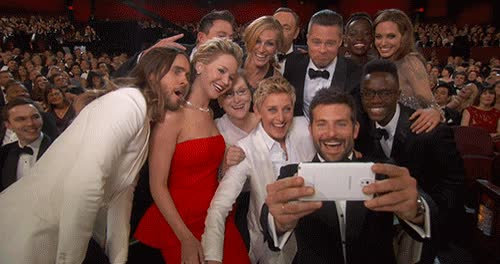 Enlace a Este selfie de los Oscars se ha convertido en el tweet más retwiteado de la historia