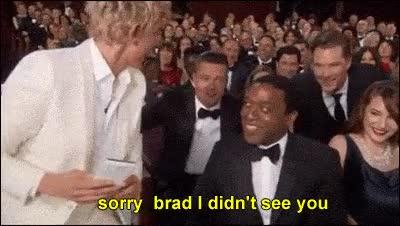 Enlace a Pobre Brad, él también quería salir en la foto...