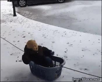 Enlace a ¿Que ha nevado y no tenemos trineos? A ver, déjame a ver a que se me ocurre...