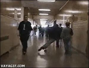 Enlace a Nunca es bueno correr por los pasillos