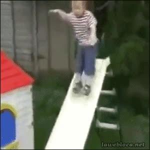 Enlace a ¡Mira cómo me tiro por el tobogán, mamá!